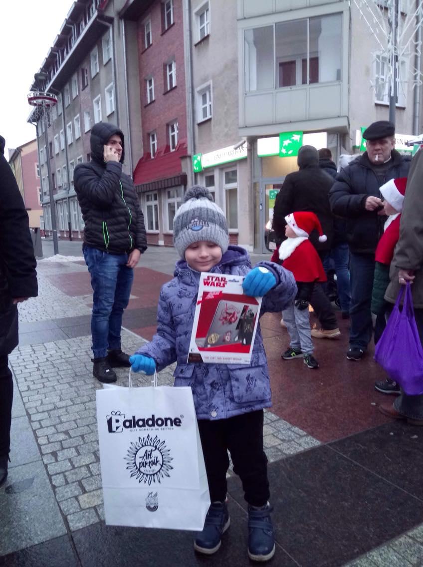 Donation to Poland (25)